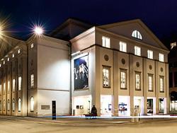 Luzerner Theater nachts