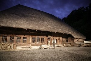 Bauernhaus aus Madiswil, Kulisse der Inszenierung