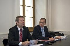 Regierungspräsident Marcel Schwerzmann und Philipp Stadelmann, Abteilungsleiter Controllingdienste